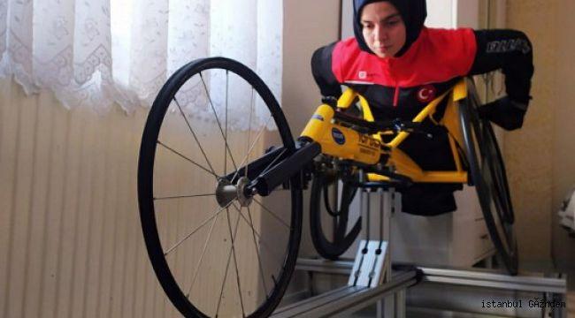Bağcılar'da Altın Kızlar evde spora devam ediyor