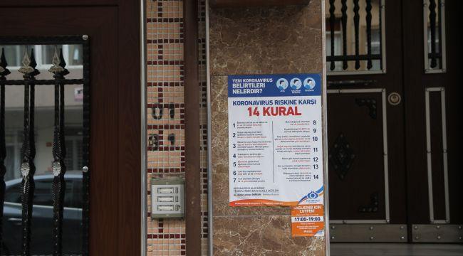 Sultangazi'de Apartman Girişlerine Koronavirüs Bilgilendirmesi