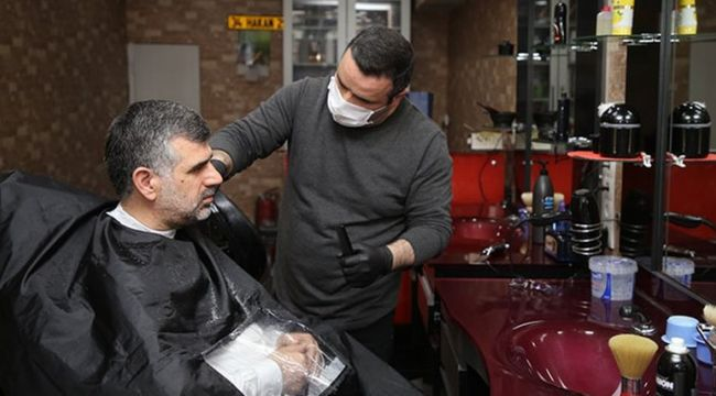 Sultanbeyli Belediye Başkanı Hüseyin Keskin ilk tıraşı oldu