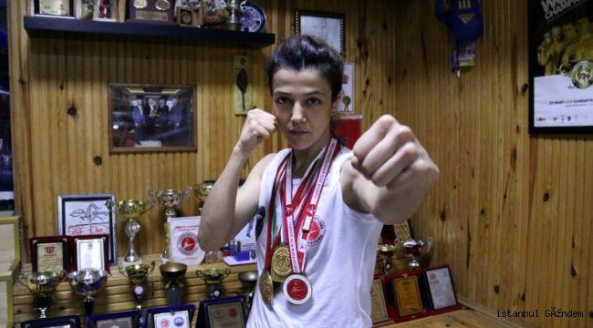 """Bağcılarlı Emine Arslan """"Yılın Sporcusu"""" ödülüne layık görüldü"""