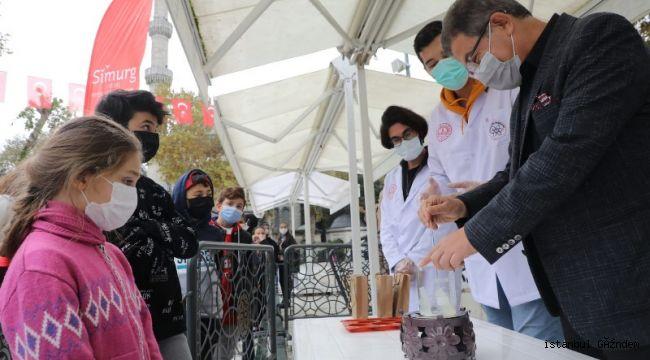 Eyüpsultan'da Çocuklara Hijyen Artırıcı Oyuncaklı Sabun Dağıtıldı!