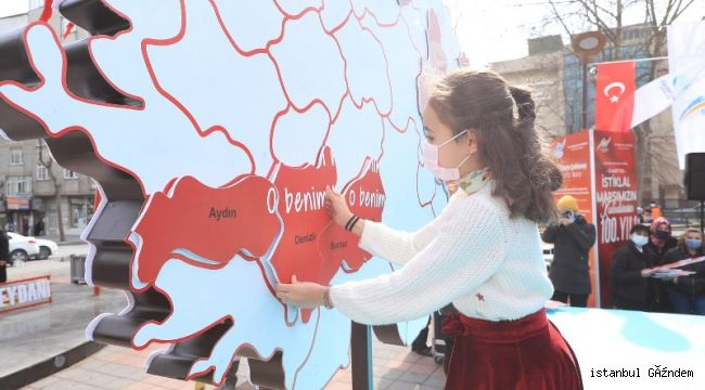İstiklal Marşı'nın 100. Yılı Sultangazi'de Coşkuyla Kutlandı