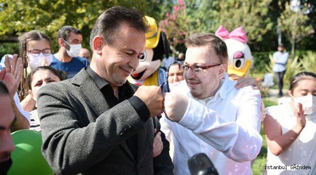 Başkan Yazıcı, Özel Çocuklara Elleriyle Cağ Kebabı İkram Etti