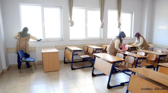 Okullar Temizlenip Dezenfekte Ediliyor...