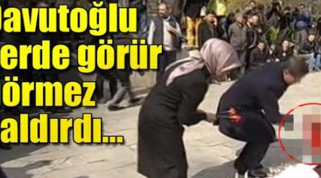 Ahmet Davutoğlu patlama noktasına karanfil bıraktı