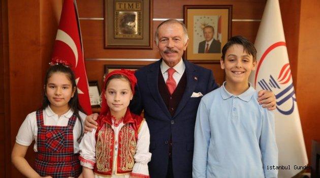 Bayrampaşa 23 Nisanı Çocuk Bayramını Coşkuyla Kutladı