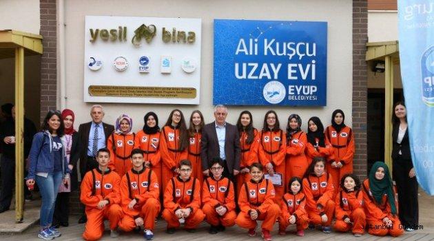 Genç Astronotlar Sertifikalarını Aldılar