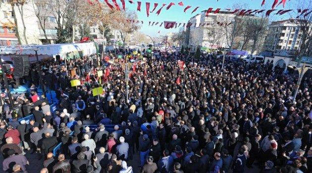 Sultangazi'de Binlerce Kişinin Katıldığı Protesto Gösterisinde ABD Kınandı