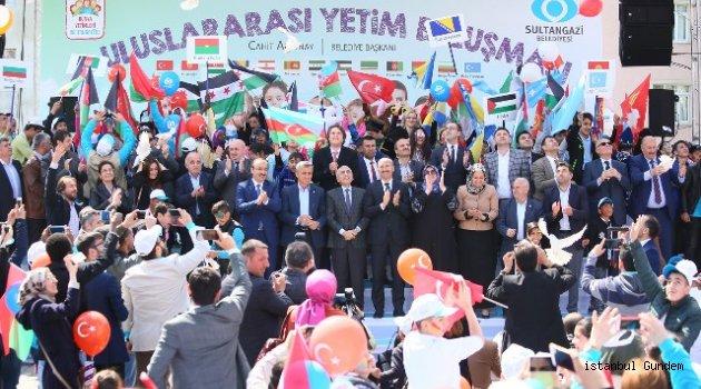 Yüzleri 23 Nisan' da Sultangazi' de Güldü