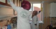 Evde Temizlik Hizmetimiz İle Kimsesiz Yaşlılarımızın Yanında Olmaya Devam Ediyoruz