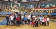 """""""Bağcılar'lı Engelli Basketçiler Antalya'ya Fark Attı"""""""